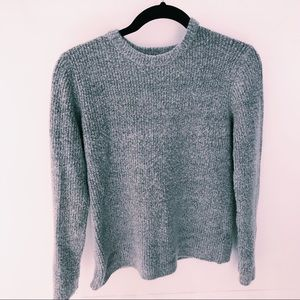 Forever 21 Sweaters - FOREVER 21 GRAY SWEATER
